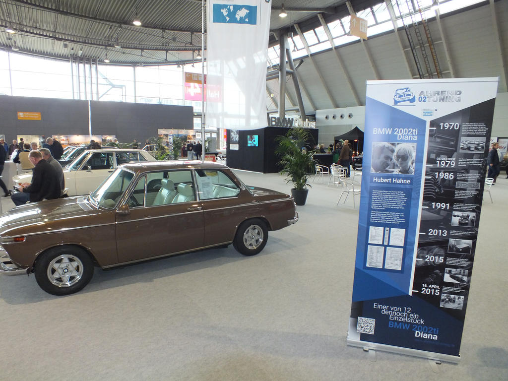 Retro Classics Stuttgart 2018 - BMW2002ti Diana von Hubert Hahne Roll-Up Messebanner mhcX-Medienagentur